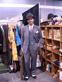 Pdx antique expo 7-09 057
