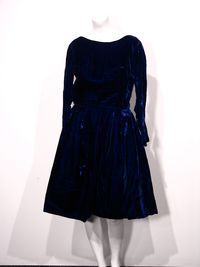 Vintage womens blue velvet party dress 1 e