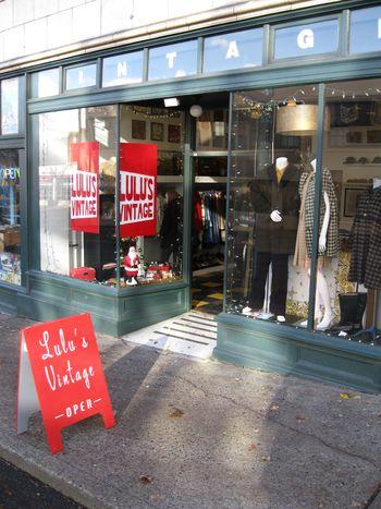 Lulus vintage store pdx