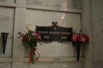 Rudolph valentino hollywood forever