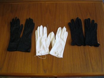 Vintage black & white gloves