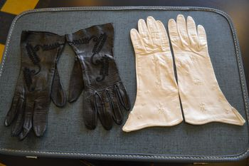 Vintage gloves 3